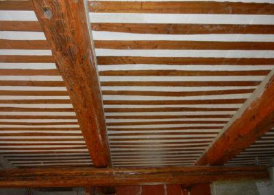 Plafond avec poutres